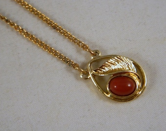 Vintage Sarah Coventry Faux Coral Leaf Pendant Necklace / 1970s Goldtone Pendant Necklace in the Original Box New Old Stock Vintage Jewelry