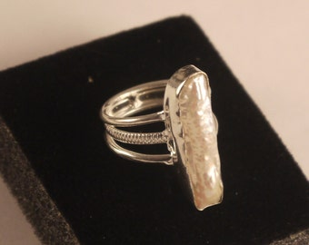 Mother of Pearl Sterling Silver 925 Ring size 6
