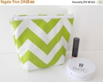 MOTHERS DAY SALE Chevron makeup bag - Cosmetic Pouch - Makeup Bag - Toiletry Bag - Cosmetic Bag - Waterproof Bag - Wet Bag