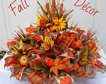 Fall Burlap Mesh Centerpiece,Fall Table Decor,Autumn Table Piece,Thanksgiving Centerpiece, Pumpkin Centerpiece
