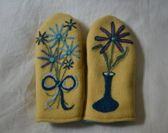 Wool mittens with felted blue flowers