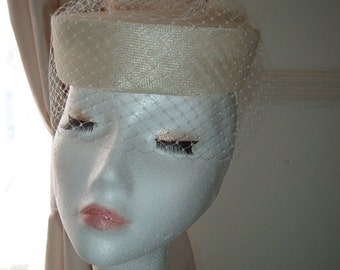 Vintage Style Veiled Pillbox Bridal Hat, bridal pillbox hat, wedding hat, Ivory veiled pillbox hat