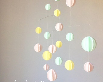 Airy geometric paper mobile, pastel, new vintage home, nursery, baby shower, soft pink, mint, yellow
