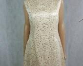 60s/70s Vintage Pale Gold/Yellow Daisy Floral Mod Mini Dress.