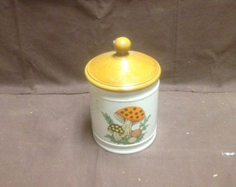 Vintage mushroom cookie jar with lid / high gloss brown top mushroom cookie jar
