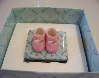 pink shoes porcelain box madame alexander love is in the details