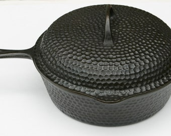Antique Rare Chicago Hardware Foundry Lg Cast Iron Deep Chicken Fryer Skillet Hammered Cast Pan w/ Cover Professionally Cleaned and Seasoned