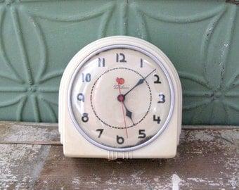 Telechron Buffet, Art Deco Clock, Vintage 1930's Wall Clock, Working Kitchen Clock, Model 2H07