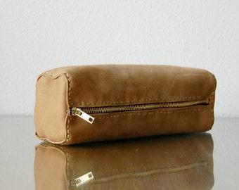 Weekend Traveler Leather Bathroom Bag