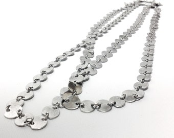 Retro Circle Links Necklace • Long, Shimmering Round Silver Tone Disc Chain