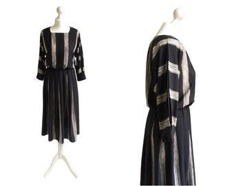 Batwing Dress - 80's Dress - 1980's Vintage Dress - Black Stripe Dress - Pleated Sleeves - Monochrome - Paint Strokes Dress