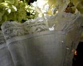 Vintage Wedding Handkerchief, Light Ivory, Delicate Lace 3439