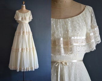 Robbie / 70s wedding dress / 1970s wedding dress