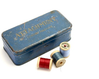 Vintage Sewing Machine Attachment Box, Sewing Prop Metal Sewing Tin, Sewing Tools, Blue Storage Tin, Sewing Machine Accessories, Epsteam