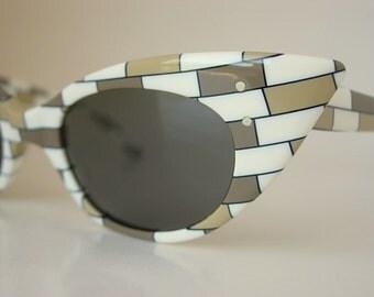 Art Craft Dramatic Cat Eye Holiday Vintage Eyeglass Frames Brown Tan Cream Ecru Neutrals Lucite Color Block Brick Pattern Go Go Twiggy SMALL