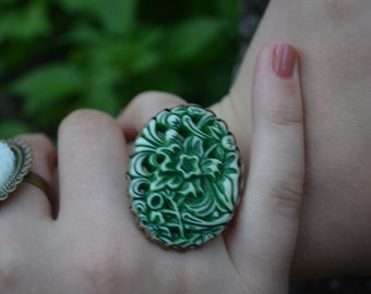 Gardeners Vintage Cameo Ring