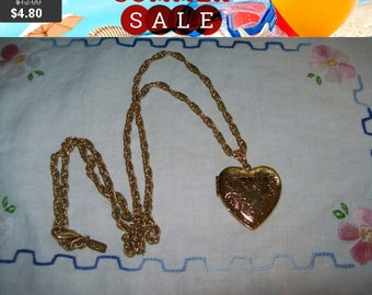 SALE 60% Off vintage 1928 Goldtone locket necklace, locket pendant necklace