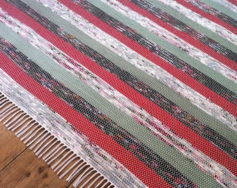 8x10 Rag Rug / Red, Green, Floral Stripes