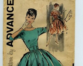 UNCUT 1960s Full Skirt Dress Vintage Sewing Pattern - Advance 9441 - Size 10, Bust 31, Printed Pattern