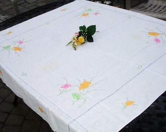 Tablecover, Table cloth, Embroidery applique, Floral detailing, Vintage tablecloth, Tea table cloth, linen tablecloth, cottage chic