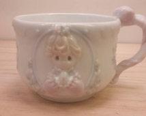 PRECIOUS MOMENTS Pretty Collectible Vintage MUG Cup