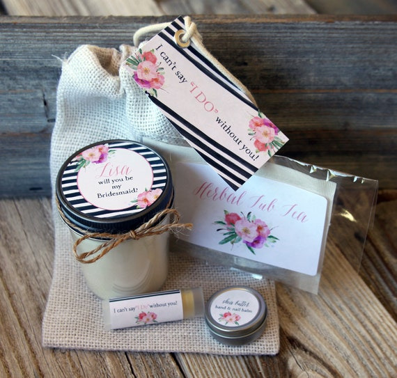 Set of 5 - Will you be my Bridesmaid Gift // Will you be my Maid of Honor Gift // Bridesmaid Candle // Maid of Honor Candle