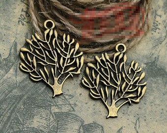 20pcs 25mm x 31mm Tree Charms Antique Bronze Tone Beautiful Detail - BC0329