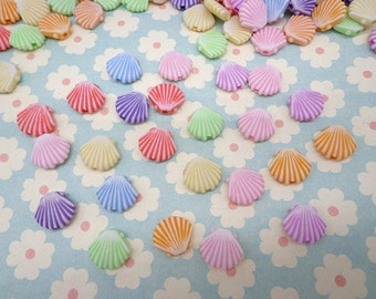 100PCS Mixed Color tiny plastic shell shape beads