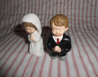 Young Boy and Girl Praying Cake Toppers
