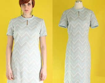 Vintage 70s Mod Dress - Metallic Silver Shift Dress - Short Sleeve Light Blue Dress - Twiggy Dress - Keyhole Chevron Dress - Size Large