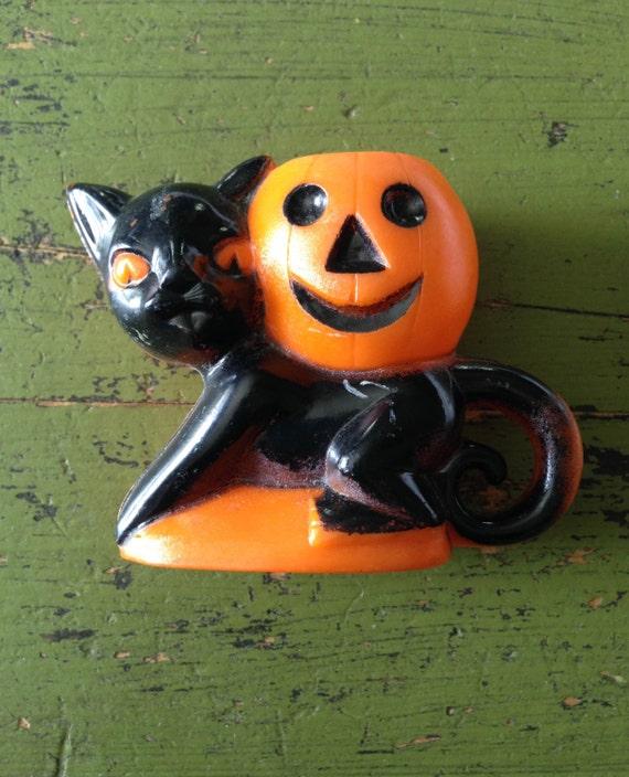 Vintage Halloween Black Cat with Jack O Lantern/Pumpkin Plastic Embossed Rosbro Plastics 1950s