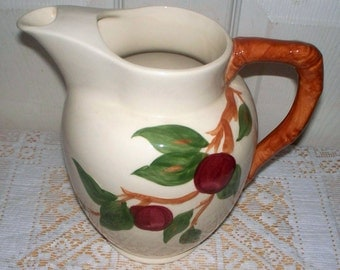 Franciscan APPLE 64 oz. Pitcher w/Ice Lip, Made in USA