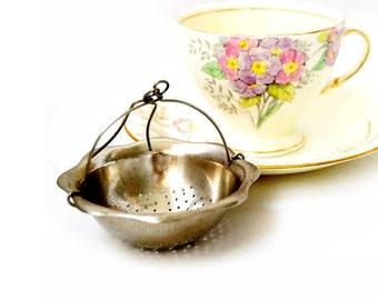Vintage Silver Plated Tea Strainer , Vintage Tea Infuser ,Tea Party Gifts