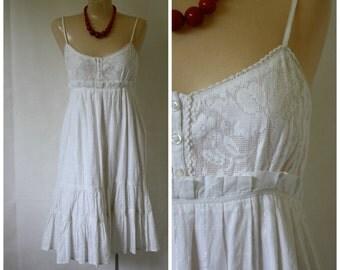 Vintage India Cotton Dress / White Sundress /  India Summer Dress / Baby Doll Dress S/M