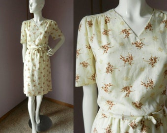 Vintage 1970's Pale Yellow and Brown Cotton Day Dress / Short Sleeve V Neck Belted Floral Dress / M-L