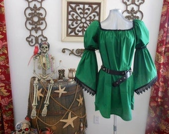 Green Pirate Renaisssance Chemise Shirt With Lace Trim Other Colors Available. Wear It Over A Pair Of Leggings Or Under A Bodice.