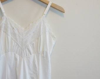 Wedding Lingerie slip negligee bridal night gown 1950s vintage white embroidered chiffon 34 S