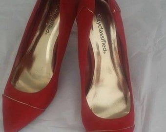 Red Faux Suede Pumps Gold Trim Size 7.5 Great Condition