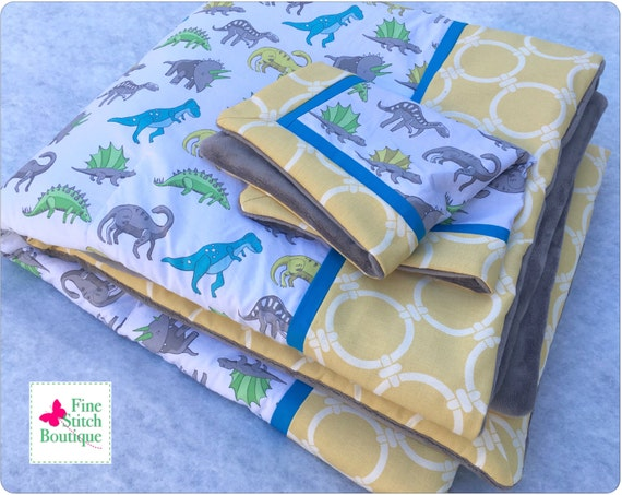 dinosaurs baby or toddler quilt blanket and by finestitchboutique. Black Bedroom Furniture Sets. Home Design Ideas