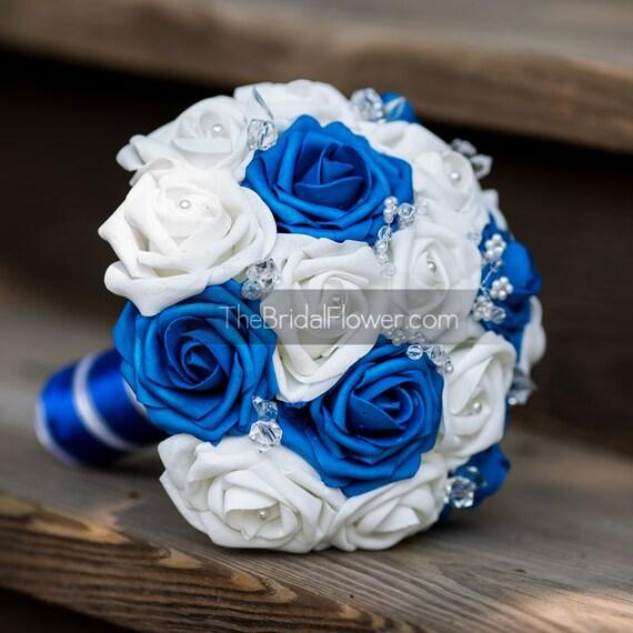 Blu royal e bianco di nozze bouquet da sposa di thebridalflower