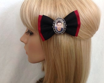 Adam levine hair bow clip rockabilly psychobilly kawaii pin up punk cameo maroon 5 red black music singer band accessories