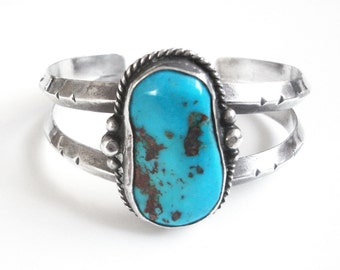 Navajo Sterling Silver Cuff Bracelet Set With Turquoise Stone
