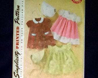 Uncut Pattern - Simplicity 2392 - Babies dress, bonnet with embroidery = size xs,s,m,l