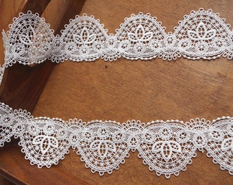 ivory lace trim with scallops, crochet lace trimming