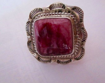 RING PURPLE Spiny Oyster Shell Vintage Unworn size  9