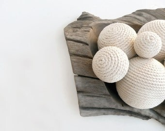Decorative rope ball, Ivory - Beach Cottage Decor - Nautical Home Decor - Home Decor Ideas - Wedding Decoration - Housewarming Gift Ideas
