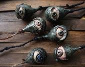 Eye on a stem | Creepy Ha...