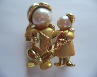 Vintage Signed Danecraft  Small Goldtone/Matt Faux Pearl Mother reading to  Child Brooch/Pin