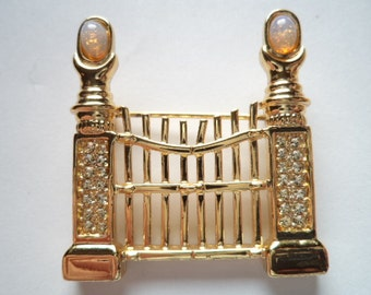 Vintage Signed Danecraft  Goldtone/Faux Opal Pearly Gates Brooch/Pin