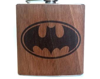 Batman flask - Wood gift idea - Cosplay Comics